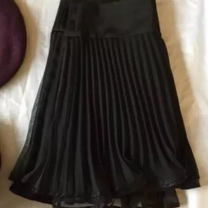 Nanette Lepore flirty pleated chiffon skirt NWT 12